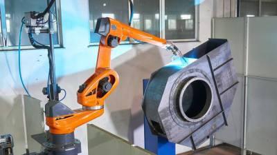 7-osiowy robot zapewniający wysoki standard jakości spawanych wentylatorów